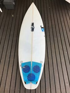 5'7 JS Little Monsta Surfboard - Second Hand but good condition