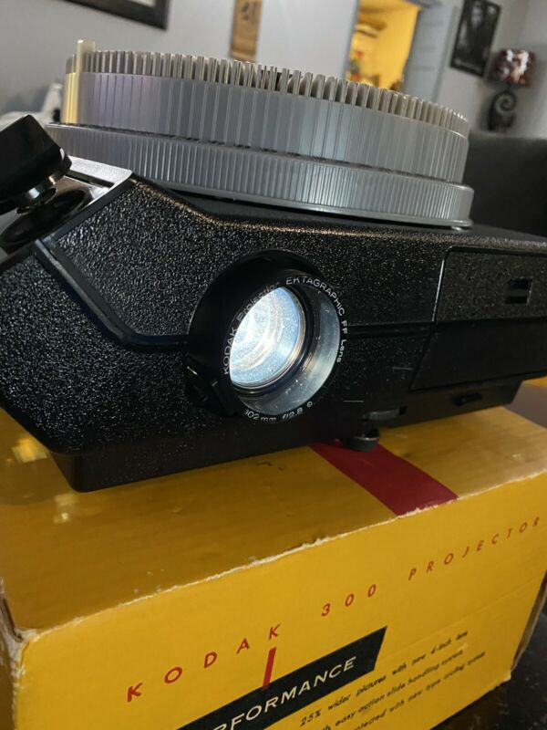 KODAK CAROUSEL 4400 Vintage WORKING Photo Slide Projector Bundle W/ 8 Full Trays