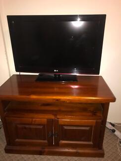 "30"" LG TV plus solid pine TV cabinet $85"