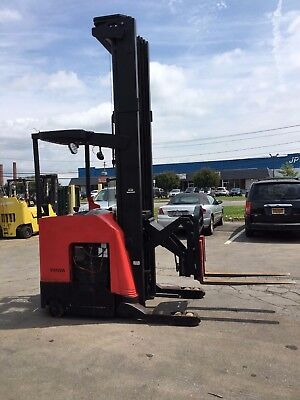 2008 Raymond Reach Truck 4000lb 330 Lift W Batterycharger 42 Forks 141 Tall