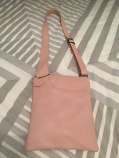 Joan Weisz Leather Crossover Body Bag Baby Pink Brand New