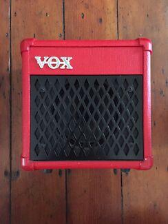 Pedalboard, Vox DA5 amp, Warwick  bass amp head, Peavy TNT bass combo