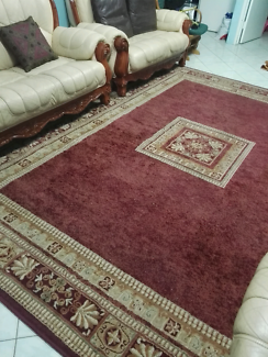 Large attractive rug in good condition. Urgent sale.