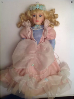 Victorian Style Porcelain Doll 40cm Tall Excellent Condition