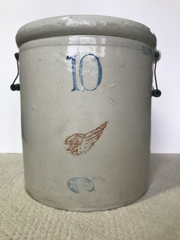 Vintage Antique Red Wing Union Stoneware 10 Gallon Crock, very good condition.