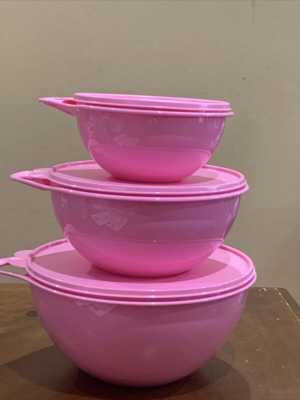 TUPPERWARE NEW THATSA BOWL SET OF 3-IN PINK COLOR !!!!