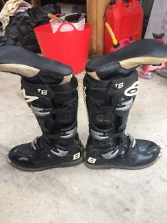 ALPINE STAR TECH 8 MOTOR BIKE BOOTS
