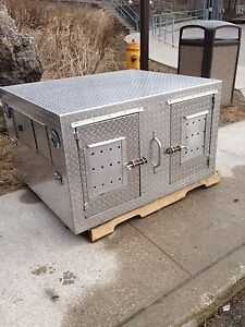 Dog Kennel for transporting in truck box