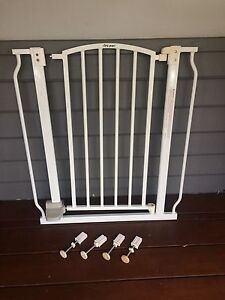Baby/pet safety gate Innaloo Stirling Area Preview