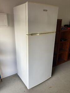 Samsung 390L top mount fridge freezer