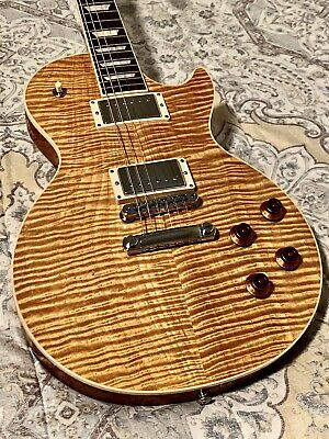 NO RESERVE!! INSANE FLAMES!! GIBSON LES PAUL STANDARD WITH HARDSHELL CASE!