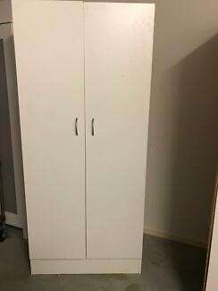 Banyo kitchen cupboard
