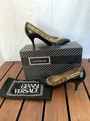 GIANNI VERSACE Vintage Black Leather Gold Chain Pumps Size 37 1/2 US 7.5