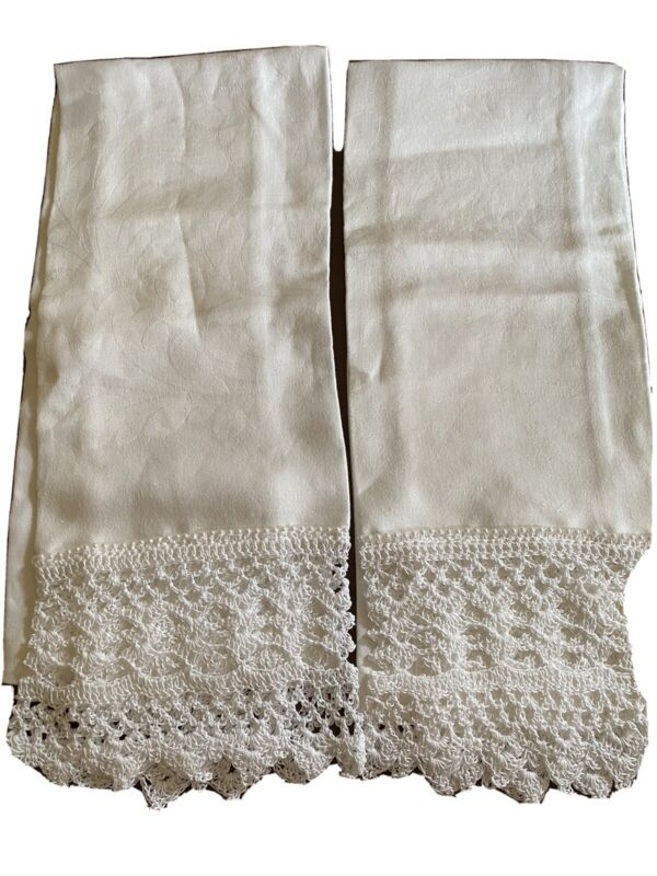 Vintage Linen Hand Crocheted Edged Guest Towel, Dresser Scarf, White, Set of 2