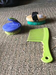 Horse brushes and hoof pick for sell