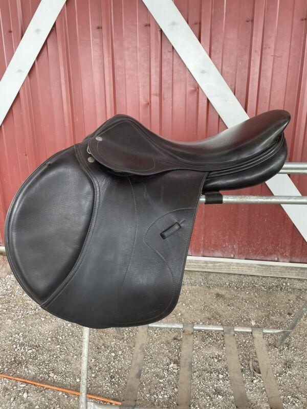 """Amerigo Saddle 17.5"""" Xwide, Long Flap, Black"""