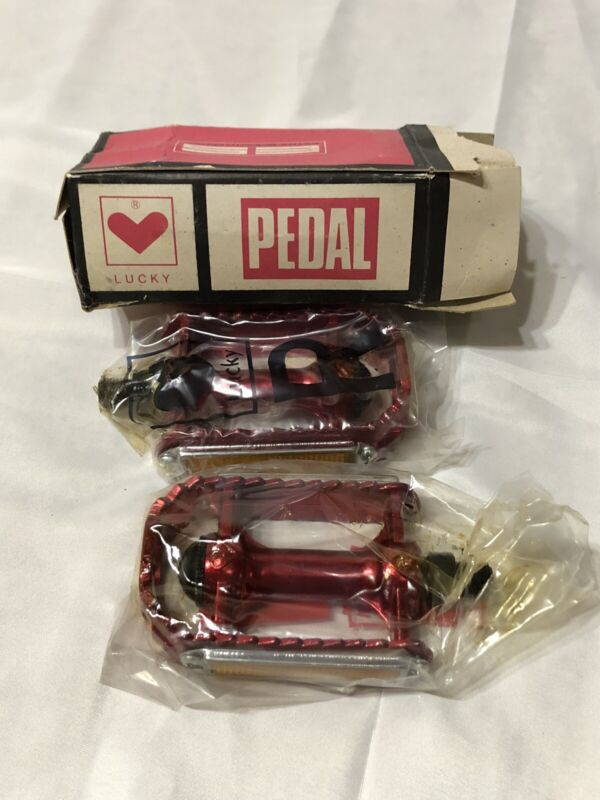 """NOS RED LUCKY BRAND RED 1/2"""" PEDALS IN ORIGINAL BOX OLD SCHOOL BMX"""