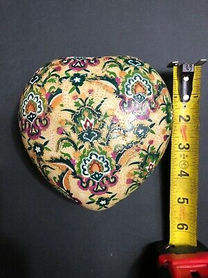 Vintage heart shaped hand painted Chinese trinket box Porcelain Hand Painted Heart Shaped Box
