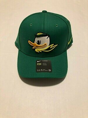 new style 39835 ae030 Nike Mens Oregon Ducks classic99 Hat Apple Green Swoosh Flex Puddles NWT