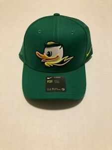 new style 1f194 2d978 Nike Mens Oregon Ducks classic99 Hat Apple Green Swoosh Flex Puddles NWT