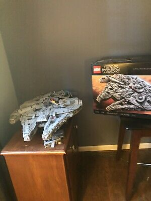 LEGO (75192) Star Wars Millennium Falcon - 7541 Pieces - used