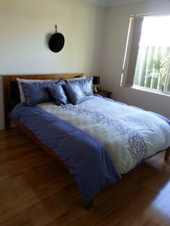 Private room with ensuite in relaxed house - Rivervale