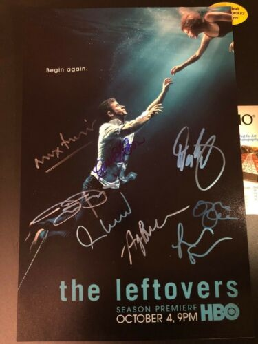 JUSTIN THEROUX SIGNED THE LEFTOVERS PHOTO 12X18 ANN DOWD CARRIE COON AUTOGRAPHS