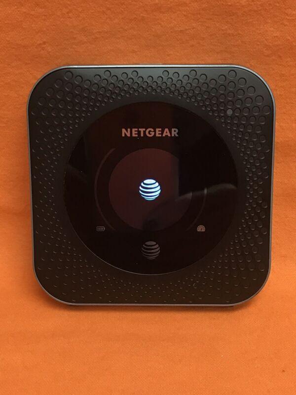 AT&T, NETGEAR NIGHTHAWK M1 MR1100 HOTSPOT LTE MOBILE ROUTER STEEL GRAY