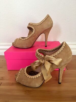 BETSEY JOHNSON SOFT TAN SUEDE LEATHER SHOES MARY JANE HIGH HEEL PUMPS 7.5 M  Tan Suede High Heel Pumps