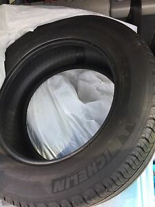 Set of 2 Michelin latitude tour HP 235 60r18