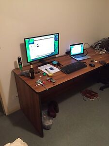 FREE Large Timber Laminate Desk - Great Work Area Toowong Brisbane North West Preview