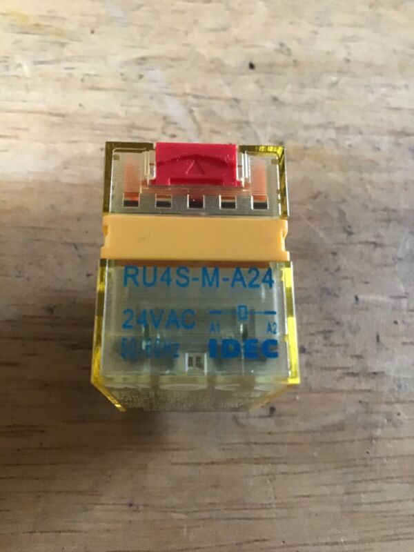 IDEC RU4S-M-A24 Ice Cube  Relay Mini,24vac Coil 4PDT