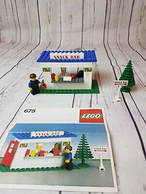Vintage LEGO Town 675 Snack Bar (1979) Instructions, Complete With Minifigures
