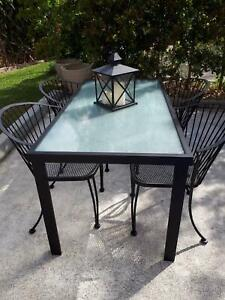 Outdoor 4 Black Iron Chairs Aluminium Table With Glass Top