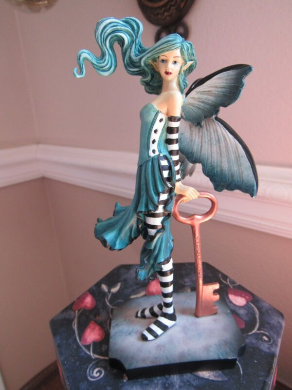 AMY BROWN Fairy Figurine KEY TO SUCCESS Munro makers of Faerie Glen Fairies.