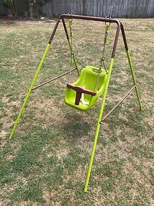Baby swing Camira Ipswich City Preview