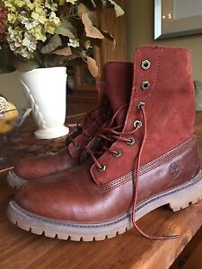 Size 9 Women's Timberland Boots