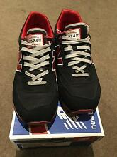 New Balance 574 sneaker size US9 (black and red) Docklands Melbourne City Preview
