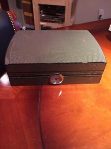 Cigar Humidor Carbon Fiber Look
