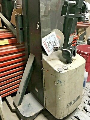 Crown Mt20 130 Lift Height 2000 Lb Capacity Pallet Stacker Forklift Walking