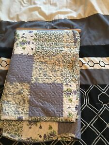 Double Quilt and pillow shams