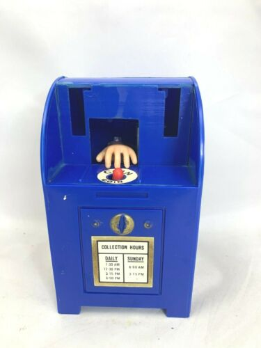 """PLASTIC 5 """" TALL WIND-UP TOY U.S. MAIL BOX  COIN BANK HAND VTG"""