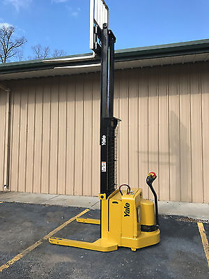 2005 Yale Walkie Stacker - Walk Behind Forklift - Straddle Lift Only 1361 Hours