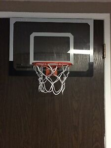 Mini door hanging basketball hoop