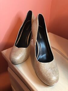 Gold sparkly le chateau heels size 11