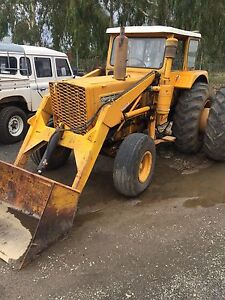 Tractor Chamberlain 100hp with front end loader and quick hitch bucket Donnybrook Donnybrook Area Preview