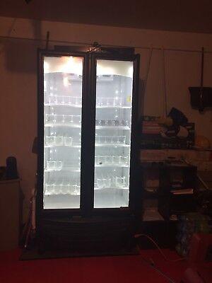 True Gdm-26 26 Cu. Ft. Commercial Refrigerator