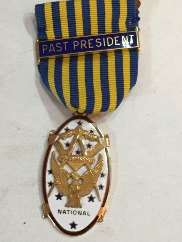 MASONIC SOJOURNERS VINTAGE MEDAL PAST PRESIDENT 10K GOLD signed