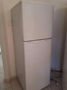 Westinghouse 220L fridge/freezer. Scarborough Stirling Area Preview