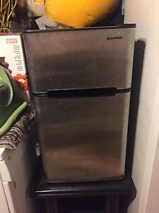 Ayanna Mini Fridge